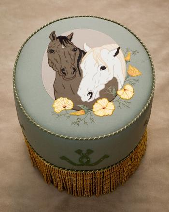 cameo-horses-side
