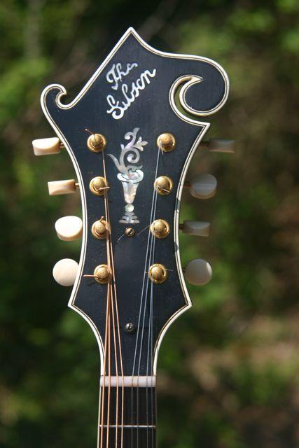 Lloyd Loar mandolin 79719 peghead