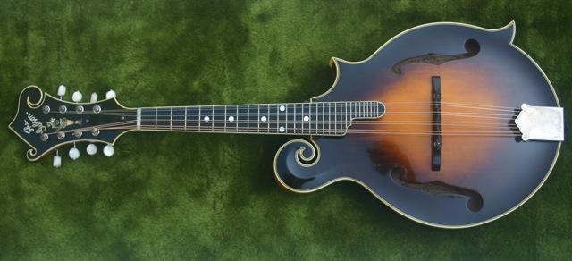 Lloyd Loar Mandolin 71633 sideways