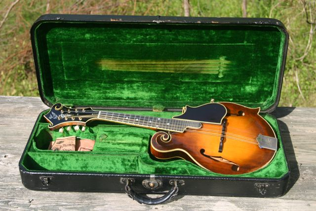 Lloyd Loar Mandolin 72857 case