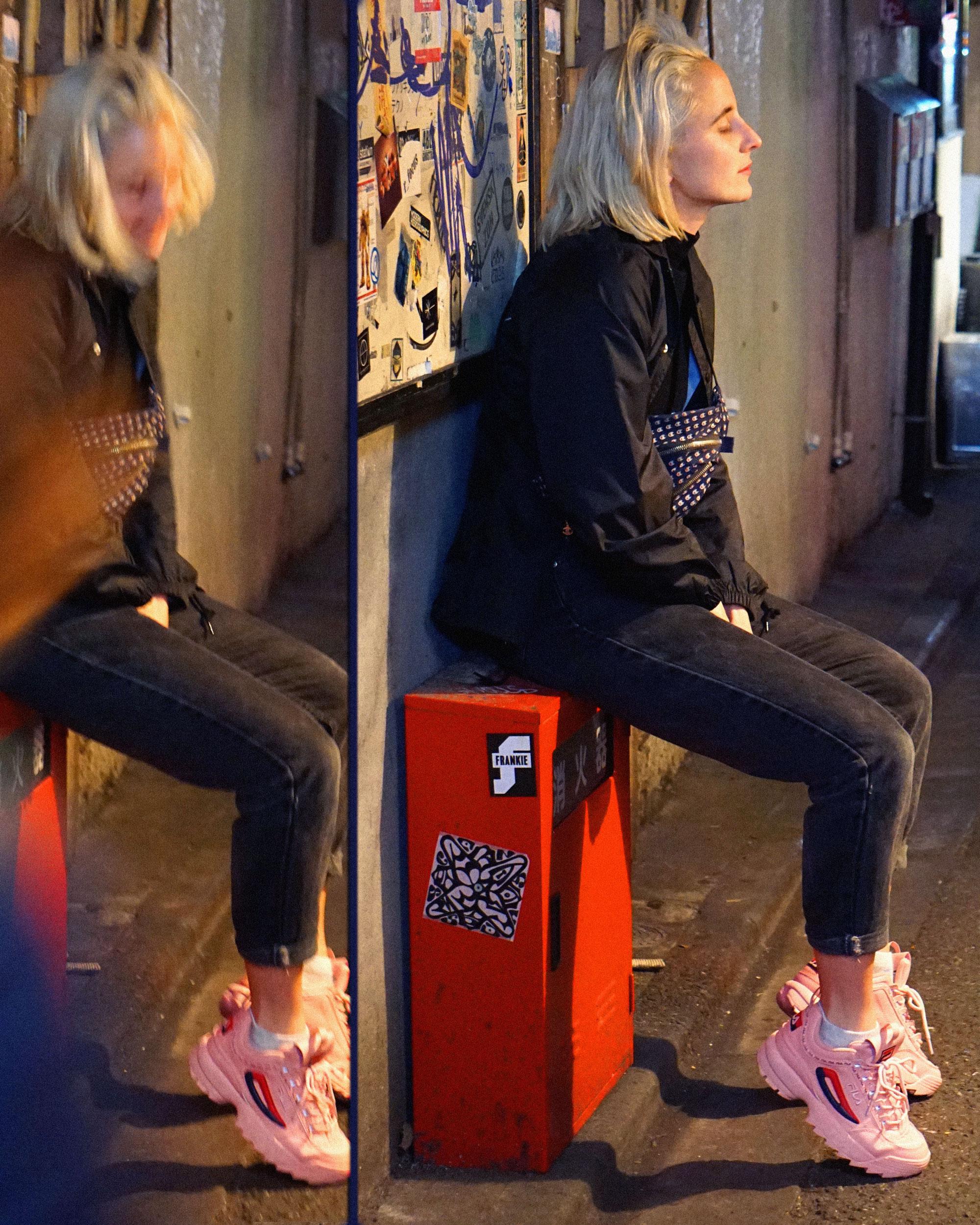alex-laniosz-japan-street-blonde.jpg