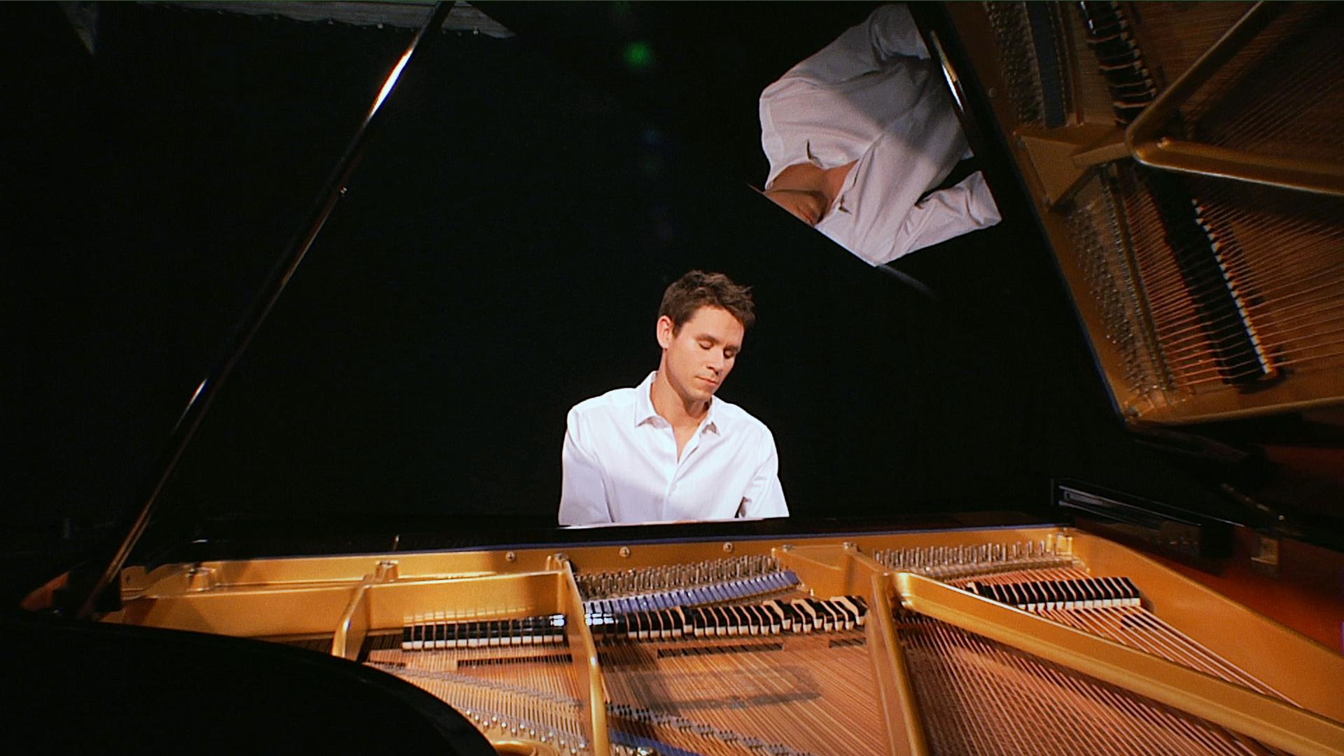 paul-spaeth-piano-white.png