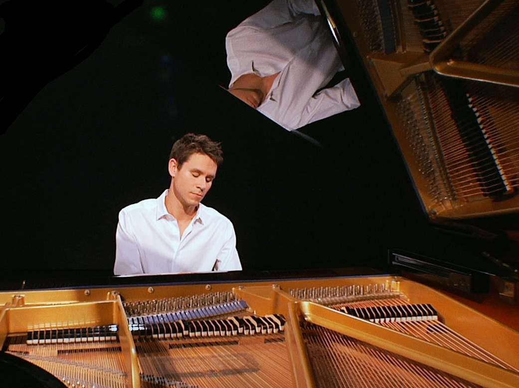 paul-spaeth-piano-white.png