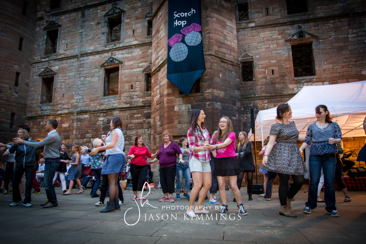 Linlithgow-Palace-Scotch-Hop-2014-18.jpg