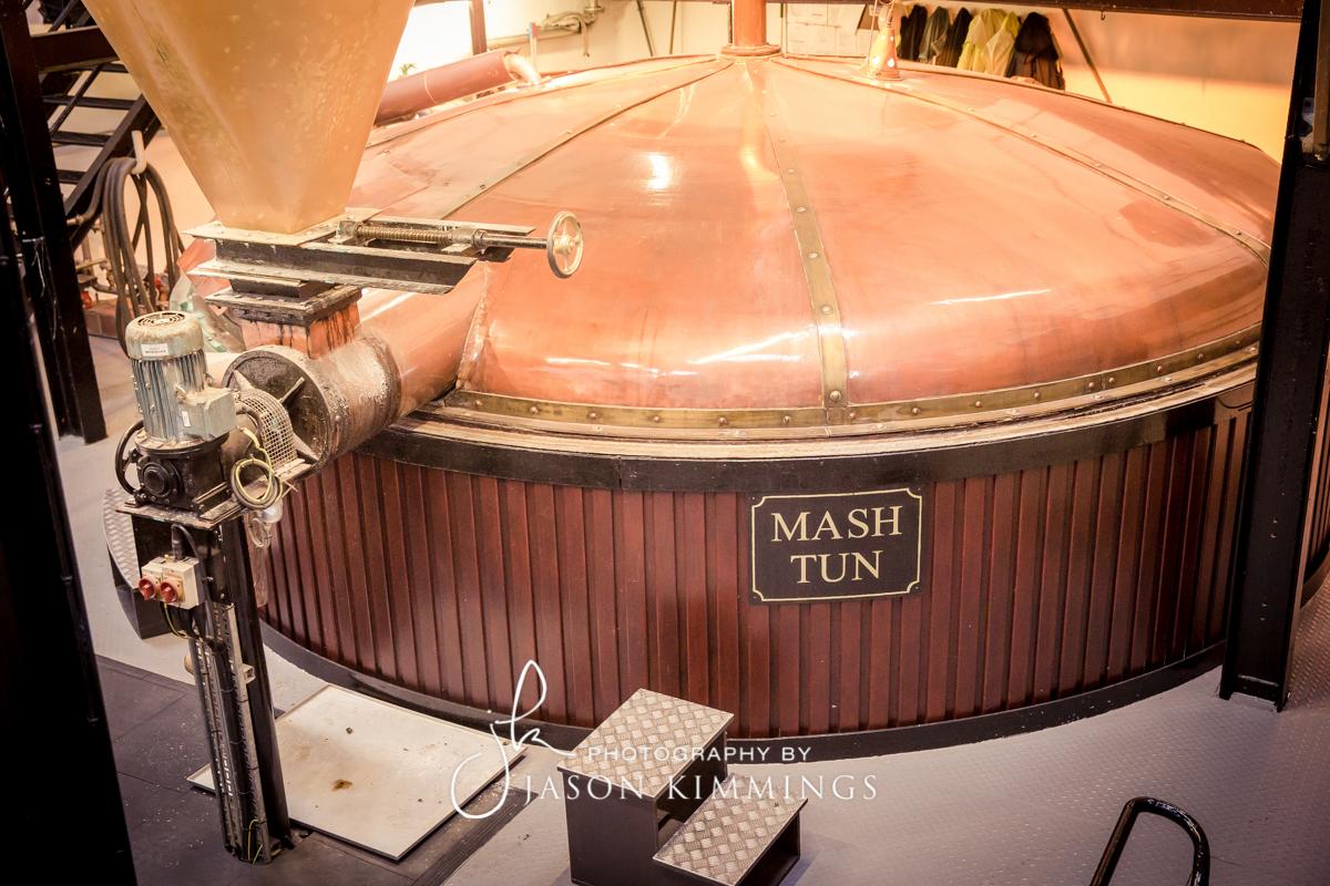 Bowmore-whisky-distillery-9.jpg