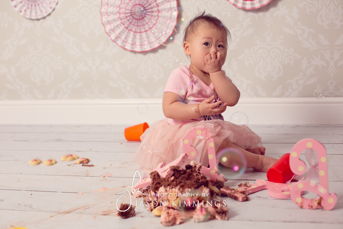 Bathgate-West-Lothian-baby-cake-smash-photography-Kara-5.jpg
