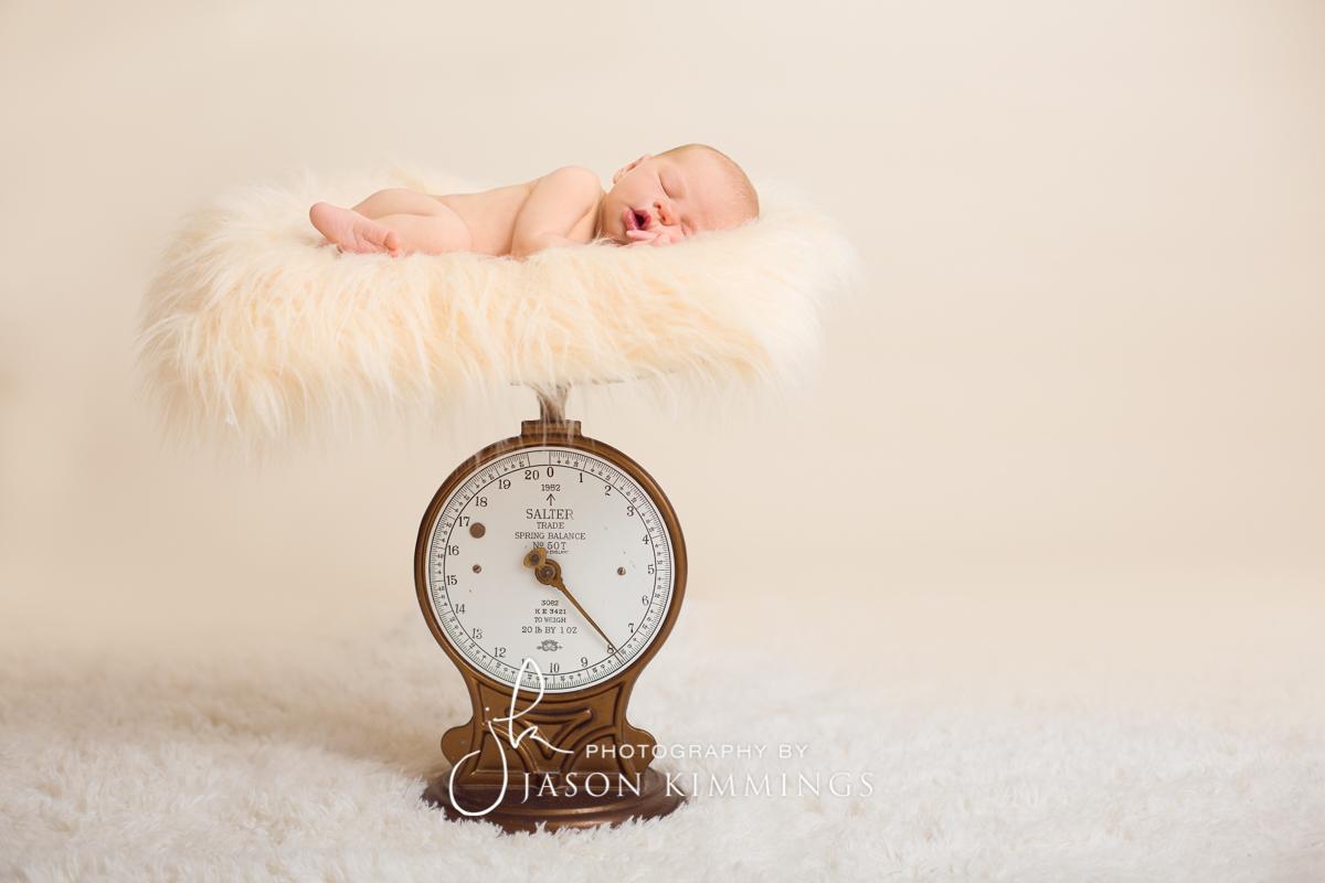 Newborn-baby-photography-bathgate-scotland-eva-1.jpg