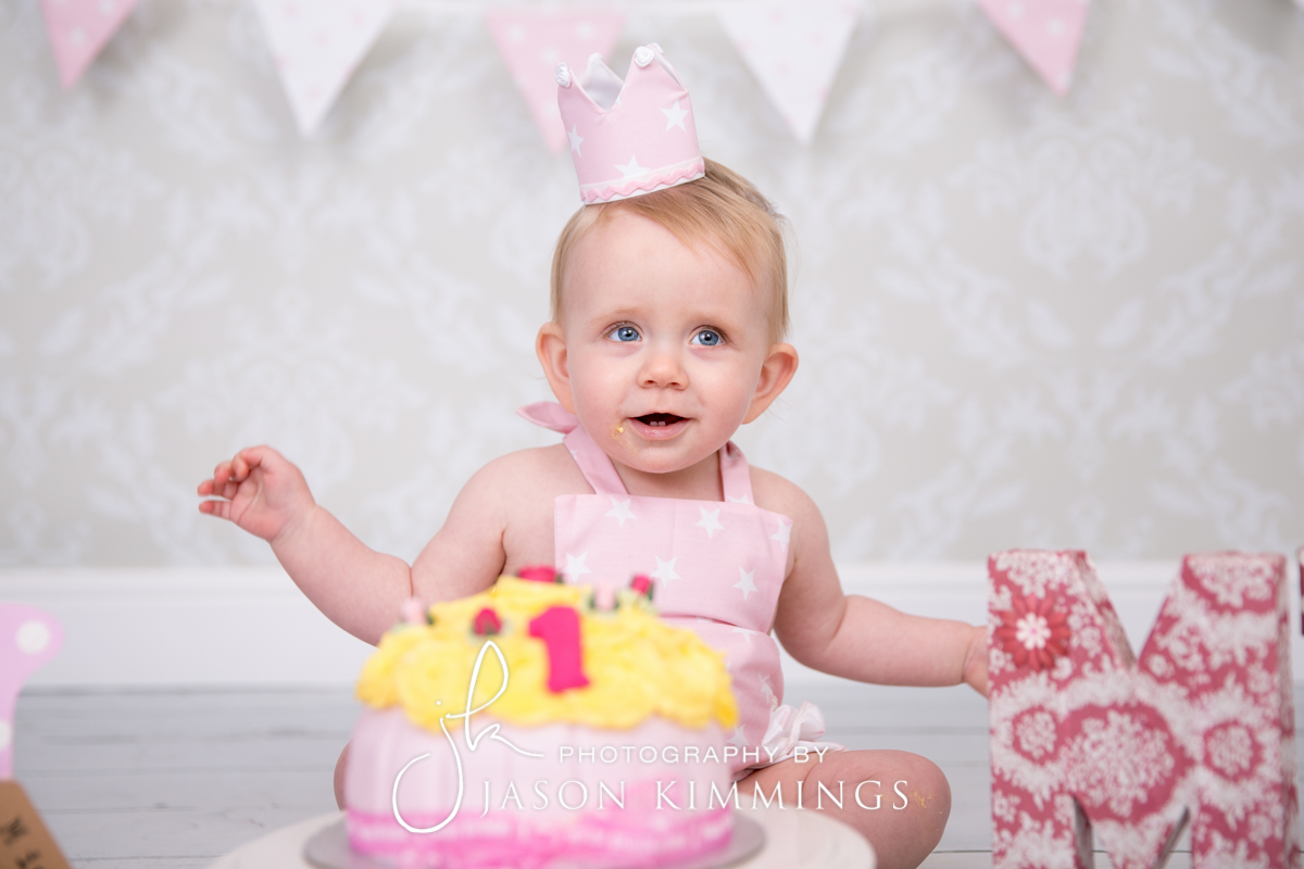 Cake-smash-bathgate-west-lothian-toddler-photography-2.jpg