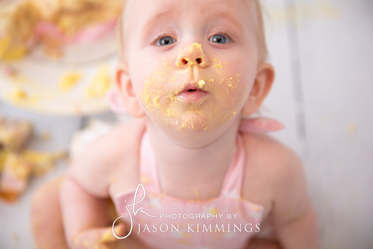 Cake-smash-bathgate-west-lothian-toddler-photography-7.jpg