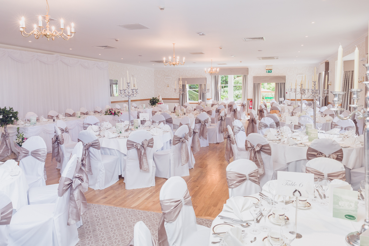Dunfirmline-wedding-photos-Garvock-city-chambers-1.jpg