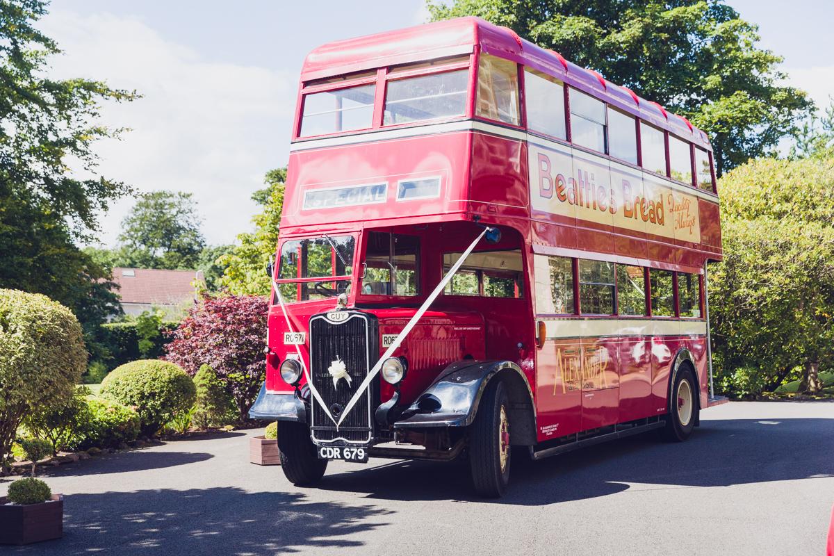Dunfirmline-wedding-photos-Garvock-city-chambers-7.jpg
