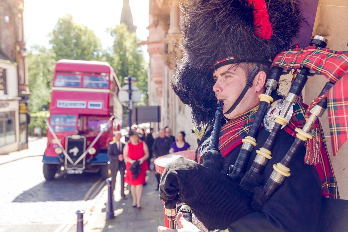 Dunfirmline-wedding-photos-Garvock-city-chambers-12.jpg