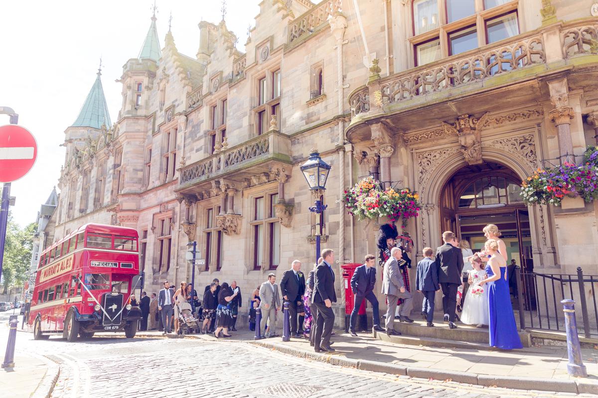 Dunfirmline-wedding-photos-Garvock-city-chambers-13.jpg