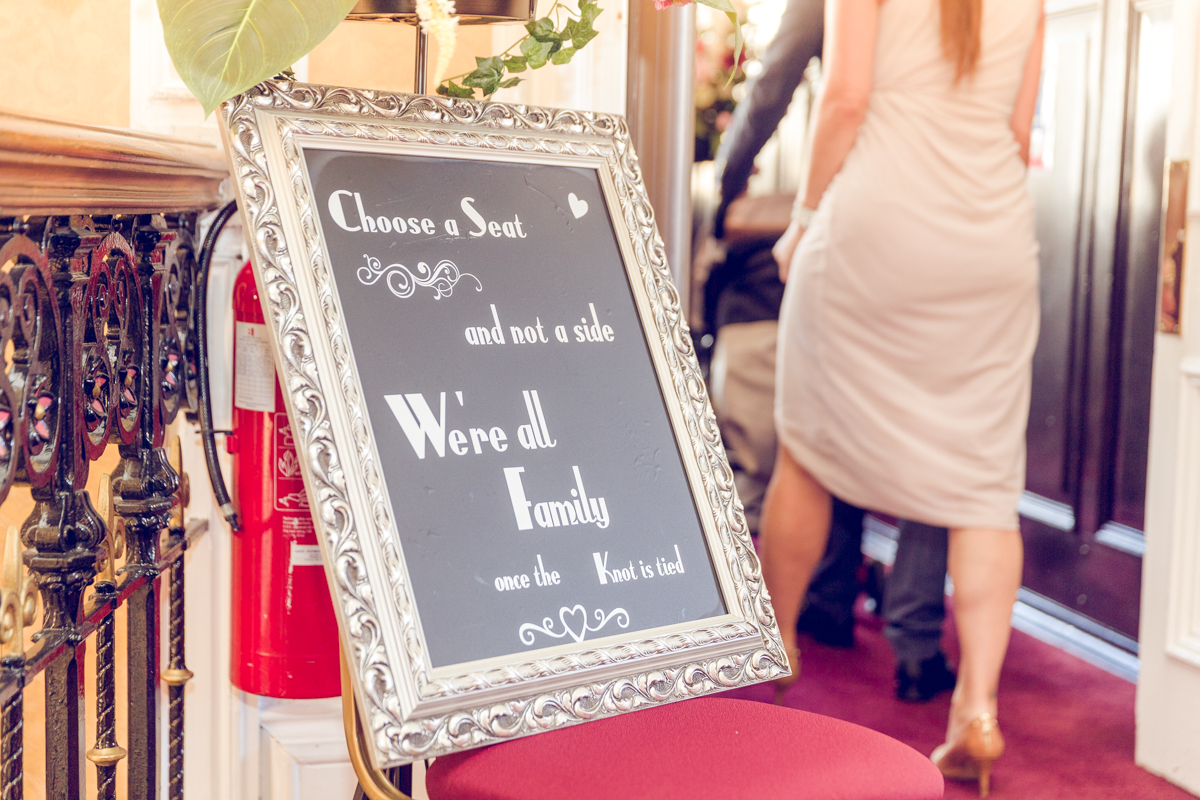 Dunfirmline-wedding-photos-Garvock-city-chambers-14.jpg