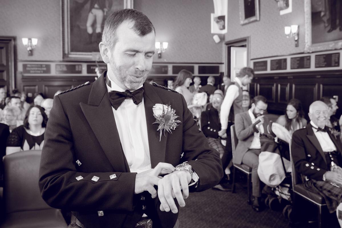 Dunfirmline-wedding-photos-Garvock-city-chambers-15.jpg