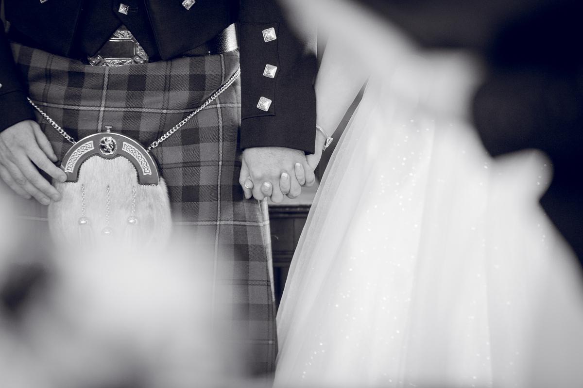 Dunfirmline-wedding-photos-Garvock-city-chambers-21.jpg