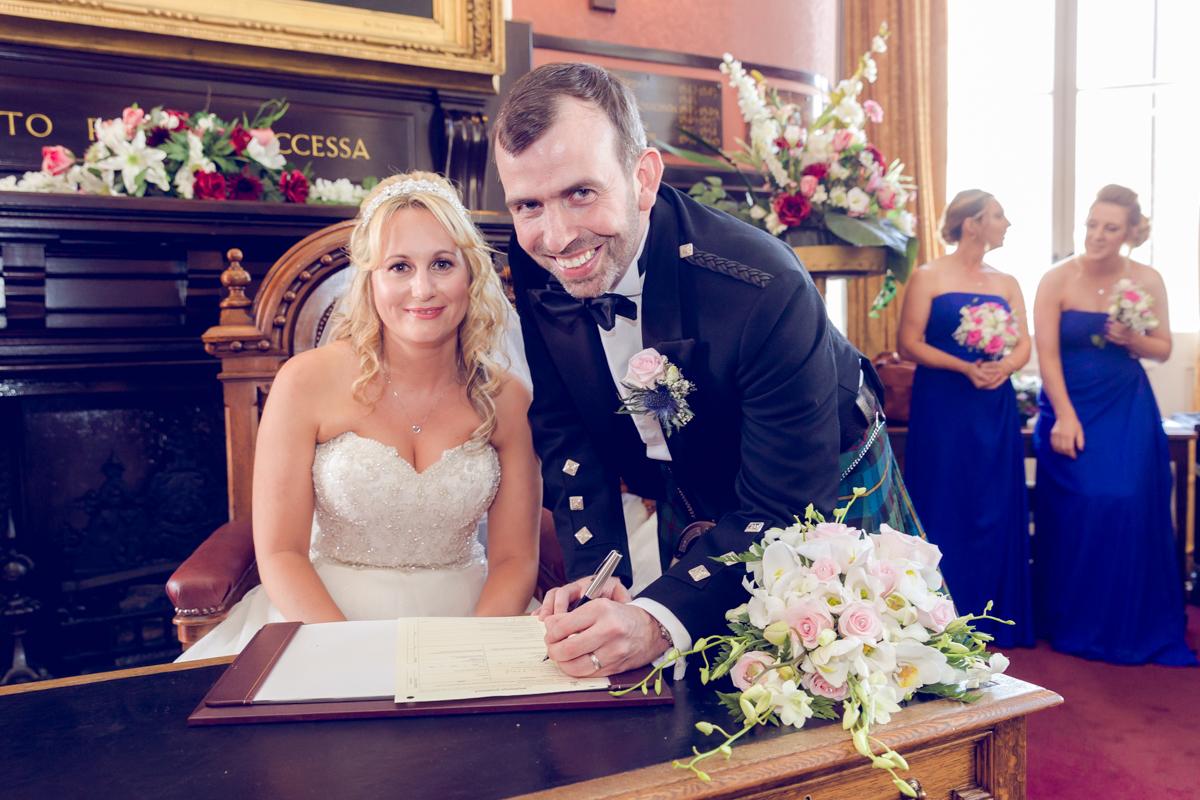 Dunfirmline-wedding-photos-Garvock-city-chambers-23.jpg