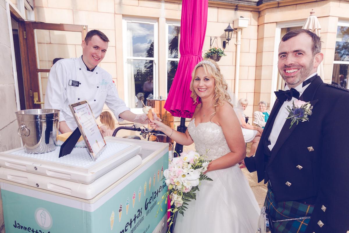 Dunfirmline-wedding-photos-Garvock-city-chambers-35.jpg
