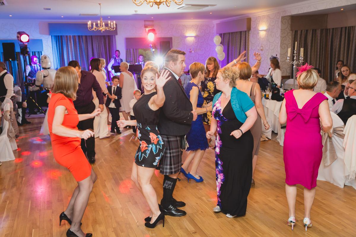 Dunfirmline-wedding-photos-Garvock-city-chambers-45.jpg