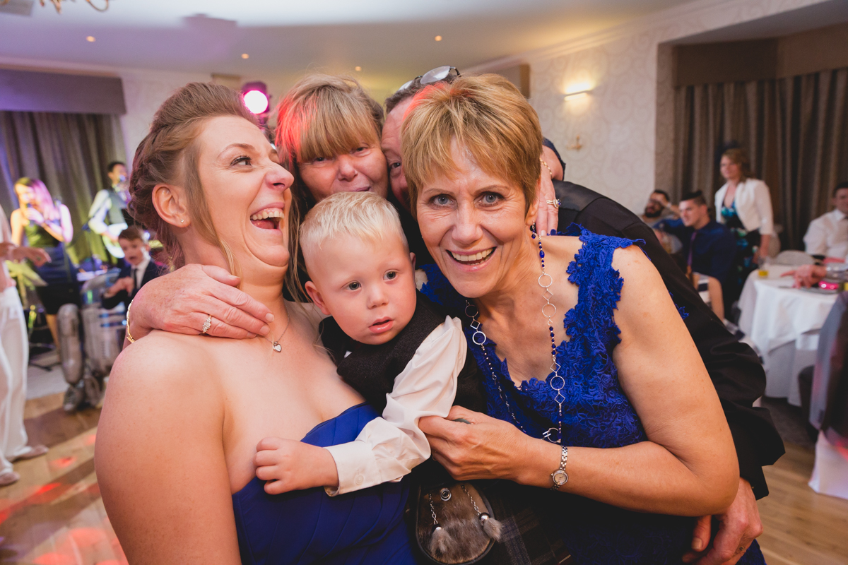 Dunfirmline-wedding-photos-Garvock-city-chambers-46.jpg