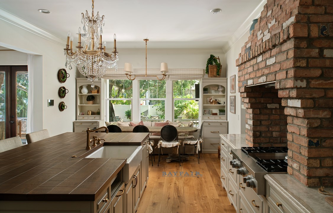 4614 Longfellow-Kitchen 2.jpg
