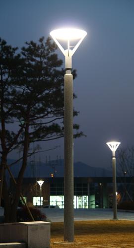 parklightpolesbig.jpg