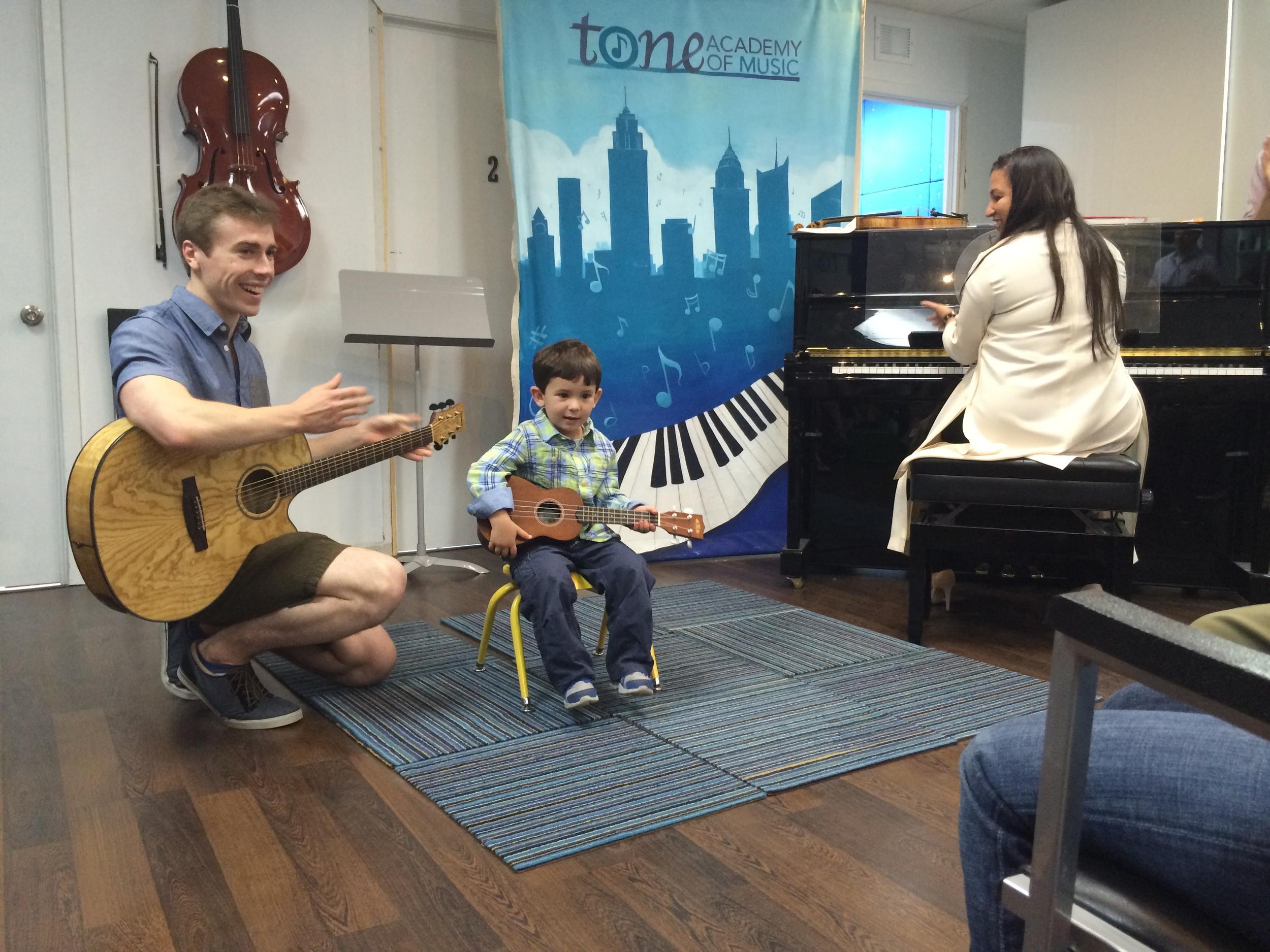 tone-academy-of-music-nyc-suzuki-guitar-2.JPG