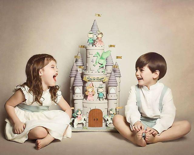 ¡Alegría puuuraaa! 😍💗 Lena y Eugenio felices con su pastel de castillo mágico ✨ - ¡Felices 4 años! 🎉 . . #pastel #cumpleaños #pastelcastillo #pastelfondant #castlecake #happiness #birthday #happy #cakedesign #cakeporm #edibleart #sugarart #cakeart #mty #spgg #hacemosarte
