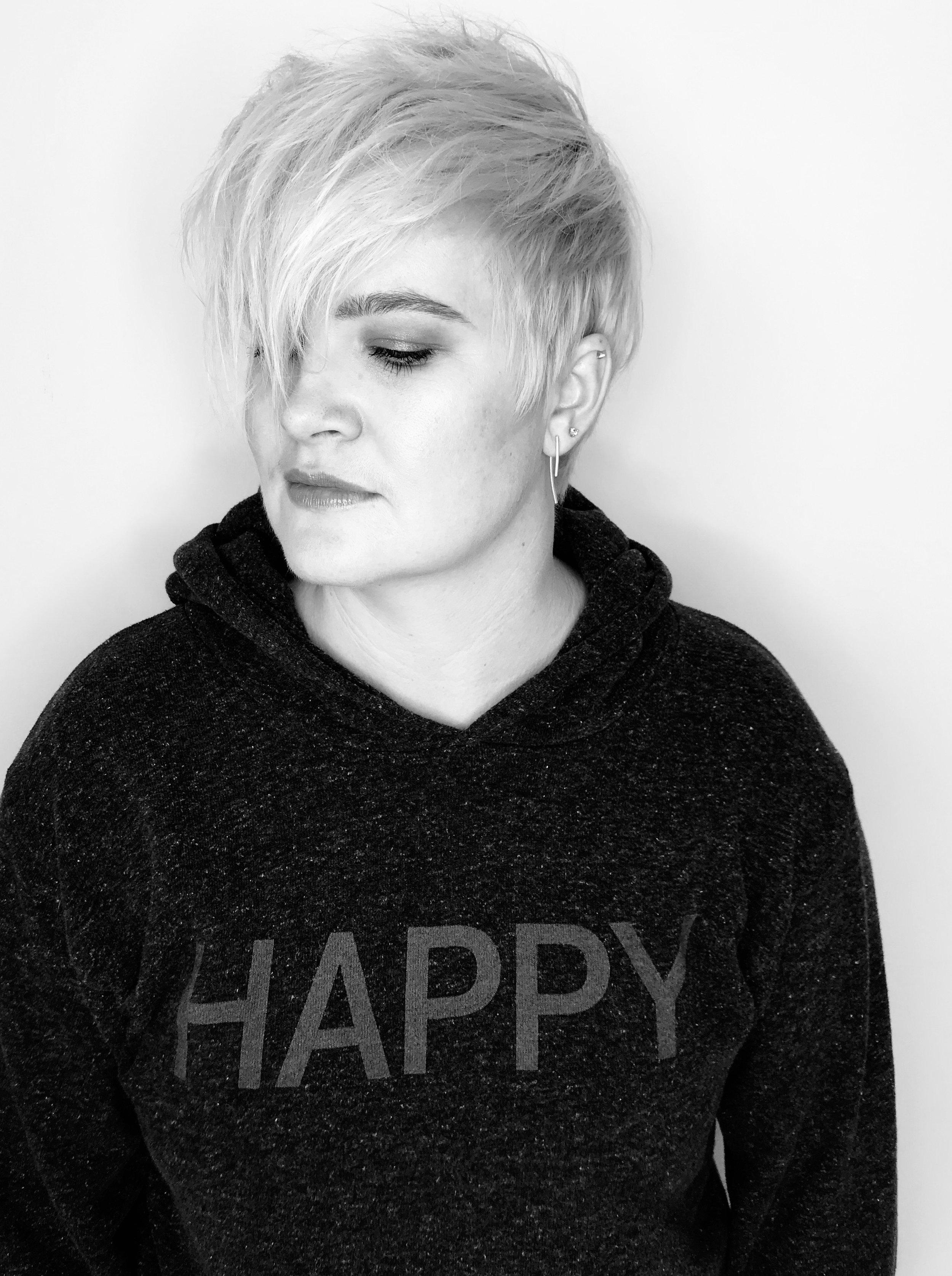 Happy:blackwhite.jpg