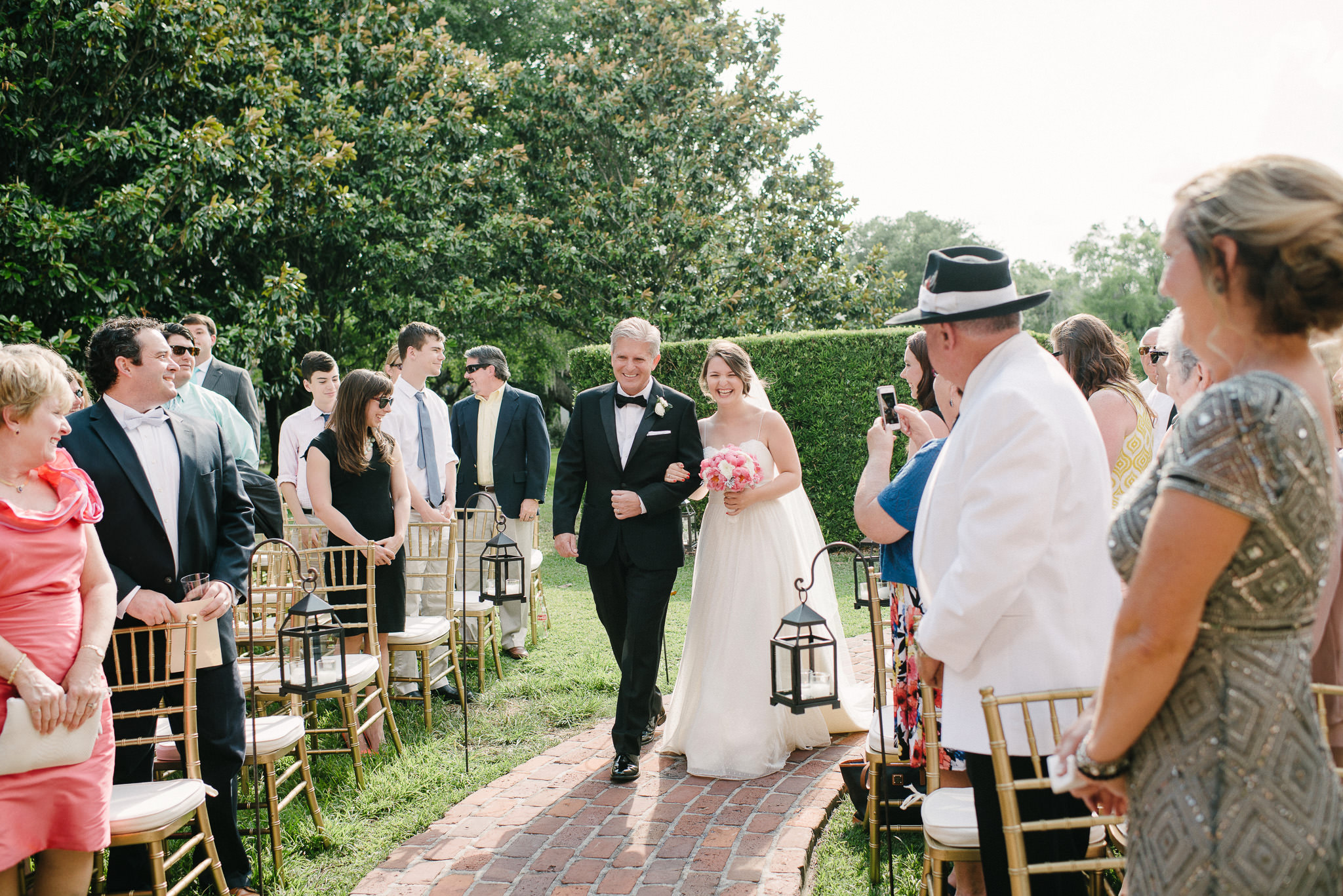 amazing dad walks daughter down the aisle