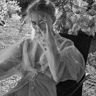 Here's looking at you Monday @natashathelabel  #monday #timeless #beautiful #silkdress #white#byronbay #inspired
