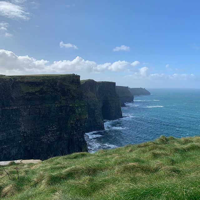 Cliffs of Moher (ie Cliffs of Braden). Finally for once there was sun during a visit. Just incredible and breathtaking.