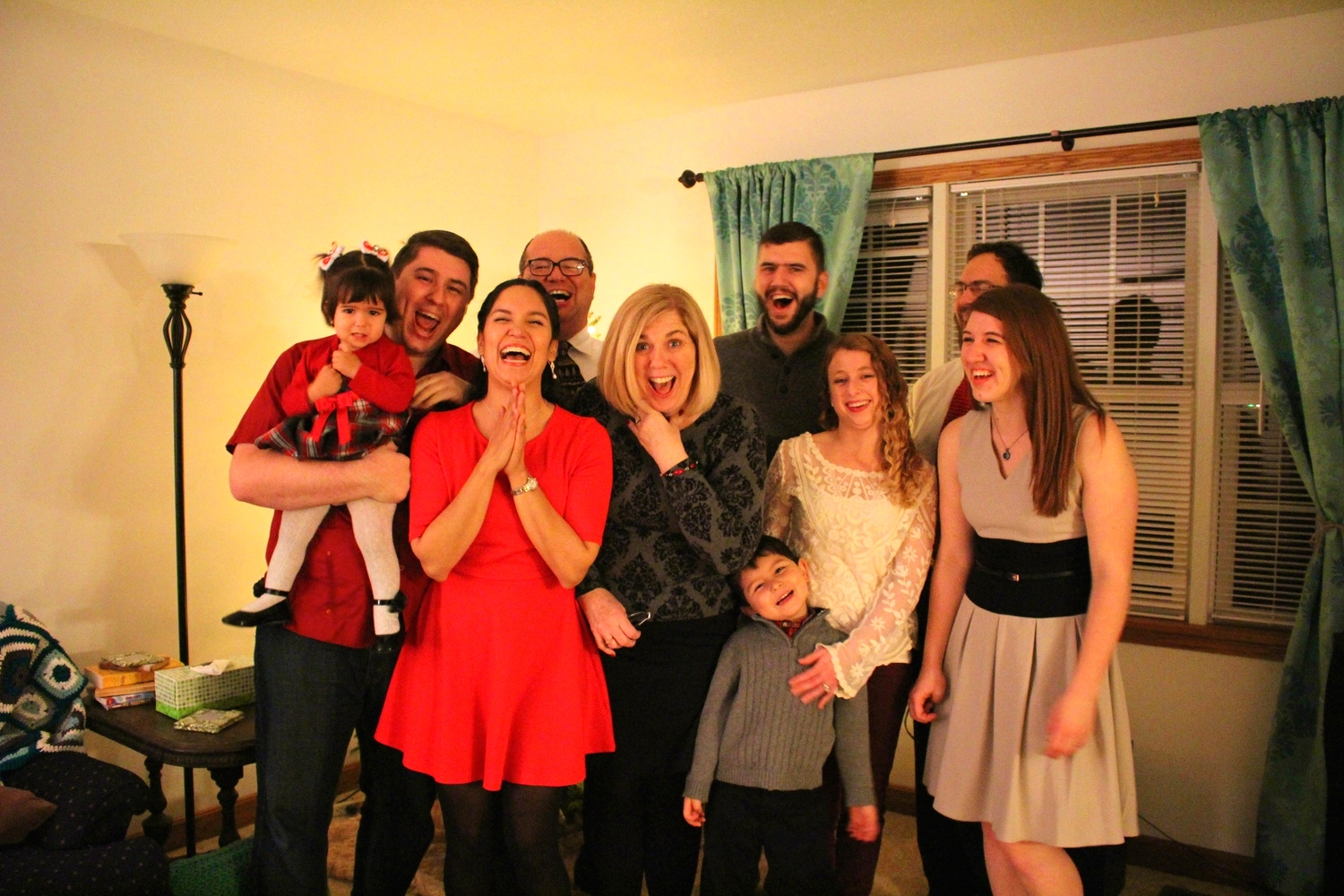 I love this photo of the family=)
