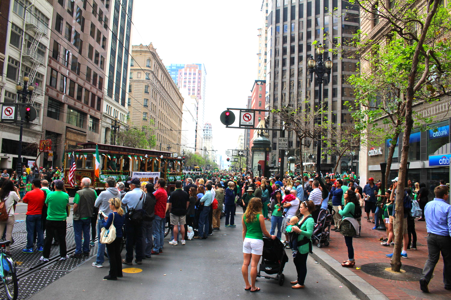 Busy streets for St. Patricks on Market st.
