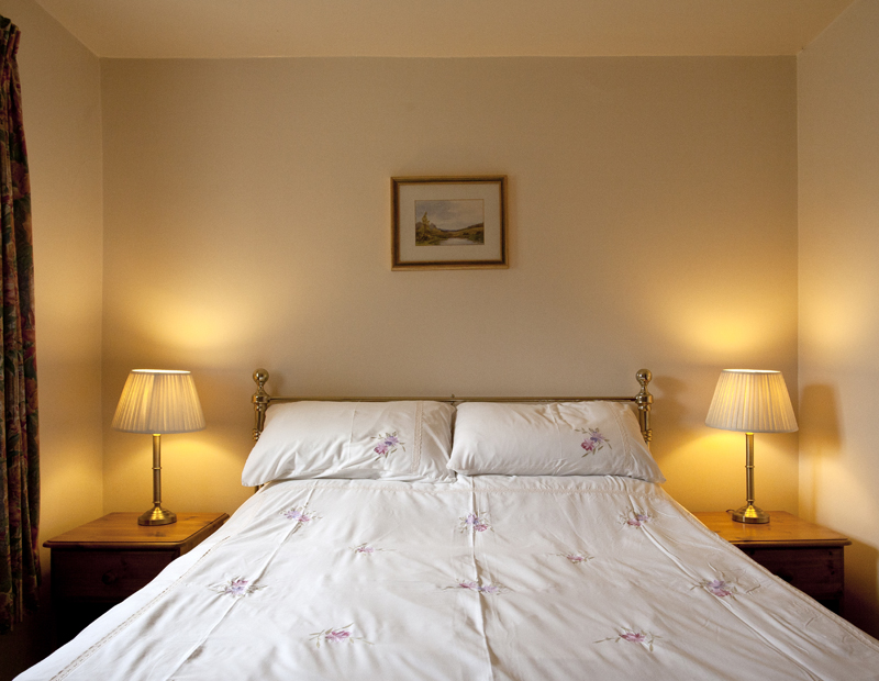 Bibury Holiday Cottages Self Catering Gloucestershire 2 Bed Room Master Bedroom