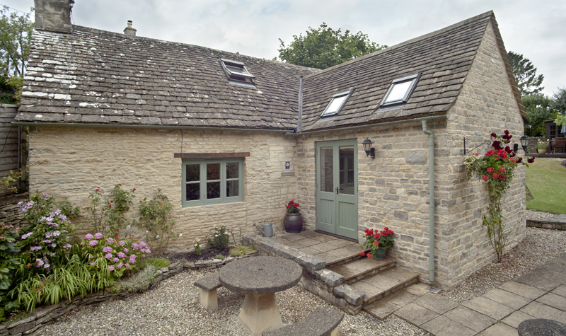 Bibury Holiday Cottage Self Catering Gloucestershire Detached Home The Bakehouse