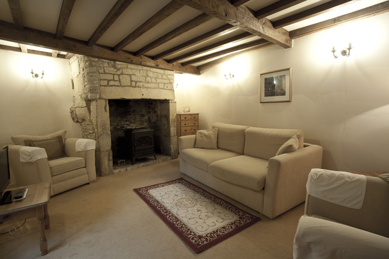 Bibury Holiday Cottage Self Catering Gloucestershire Detached Home The Bakehouse Living Area