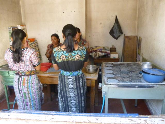 women_making_tortillas.jpg