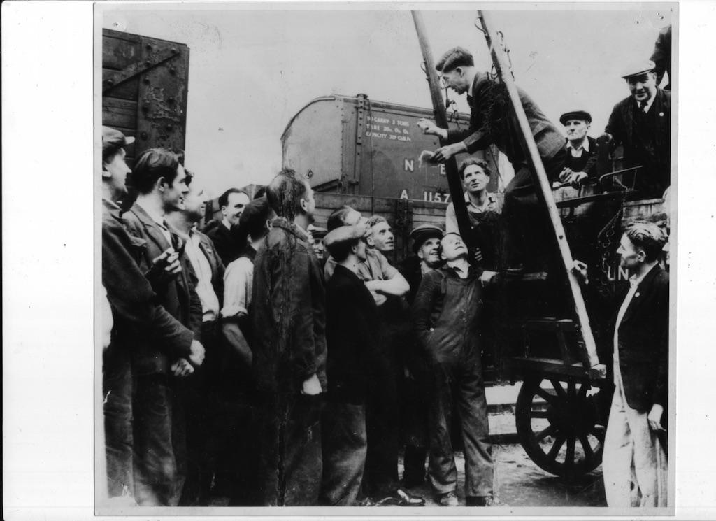 union meeting on the railway lands - print copy.jpg
