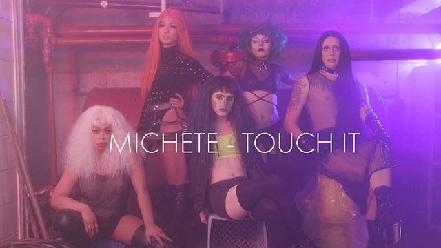 New music video out now for @michetemusic! It's wild!! Directed and edited by the amazing @hello_manica  DP: me 👋🏻 With help from @sosomuchmoore on lighting, and steady cam.  AC: @dah_veeth  Production from @uhhuhmichelle  Peter Richards Staring  @thisisbosco  @xmooncakes  @missmondaymourning  Filmed @kremwerk  Link in bio . . . #musicvideo #seattlefilm #drag #nonbinary