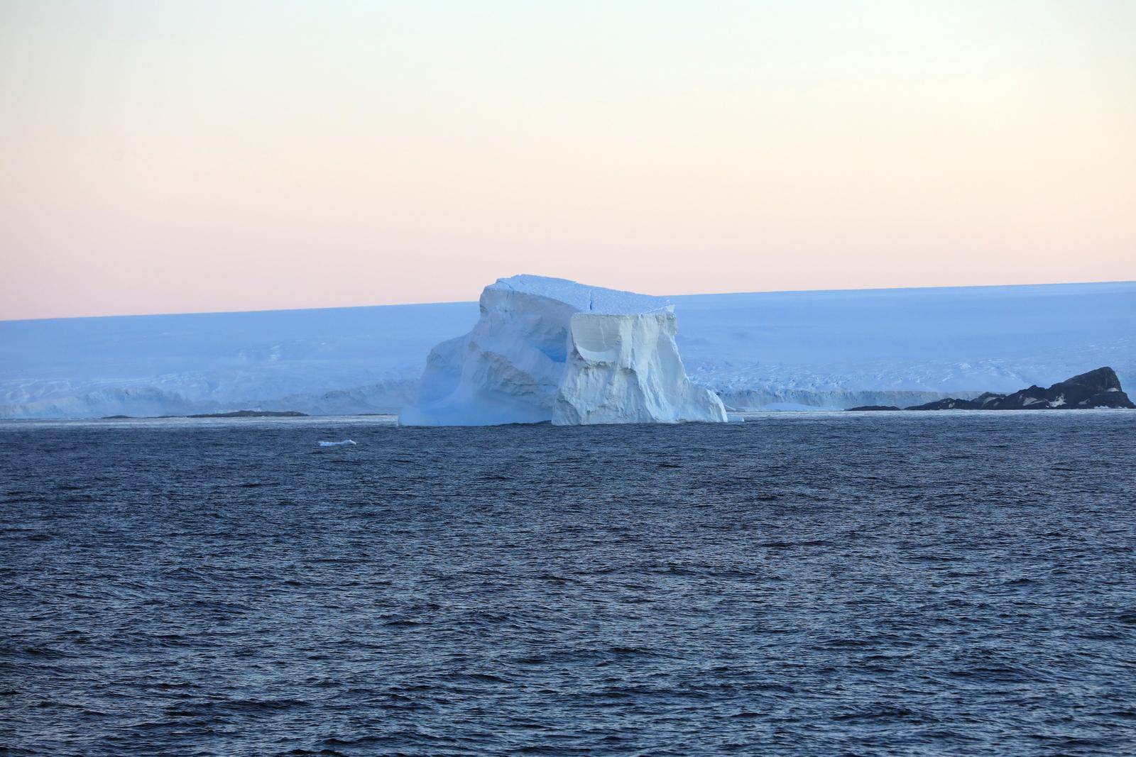 1702_Antarctique_01144_c_sm.jpg