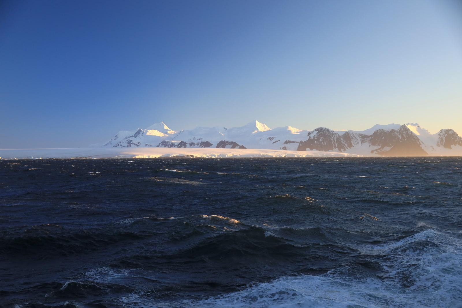 1702_Antarctique_01207_c_sm.jpg