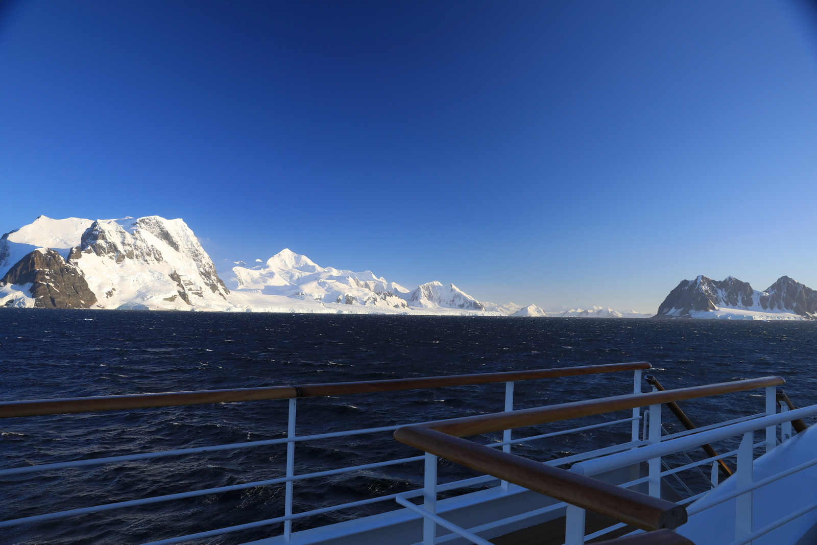 1702_Antarctique_01324_c_sm.jpg