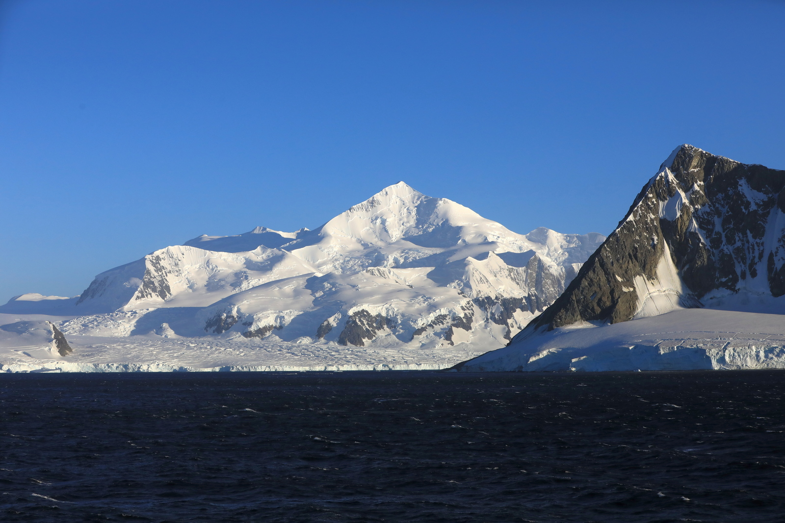 1702_Antarctique_01385_c_sm.jpg