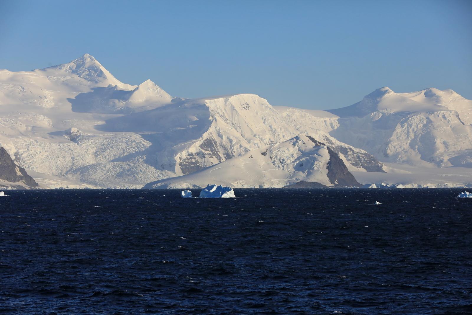 1702_Antarctique_01452_c_sm.jpg
