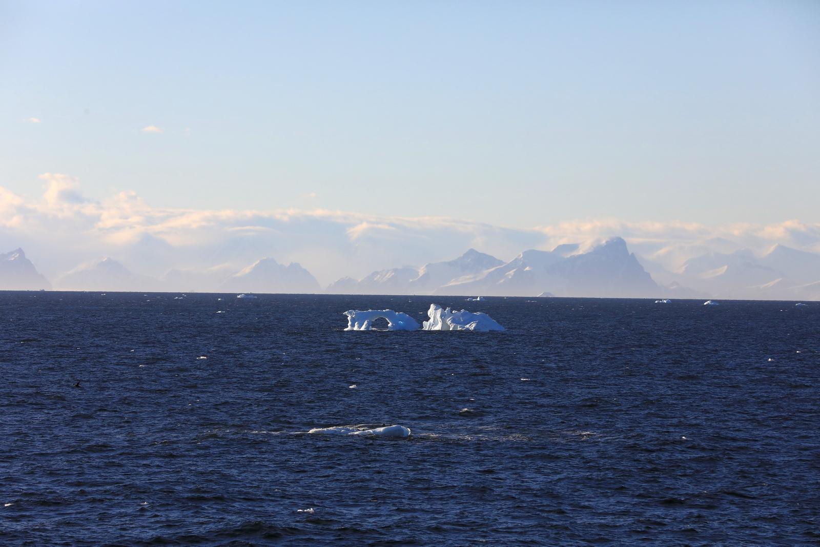 1702_Antarctique_01487_c_sm.jpg