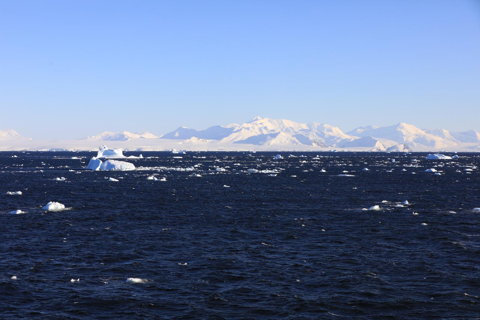 1702_Antarctique_01610_c_sm.jpg