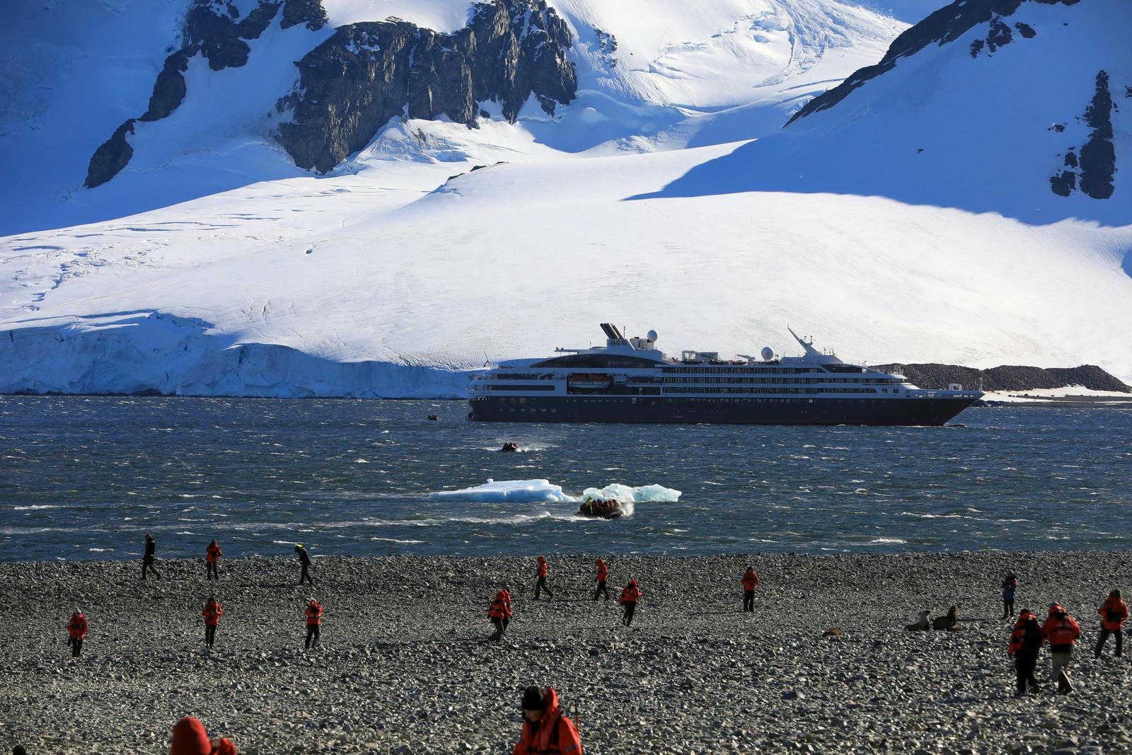1702_Antarctique_01853_c_sm.jpg