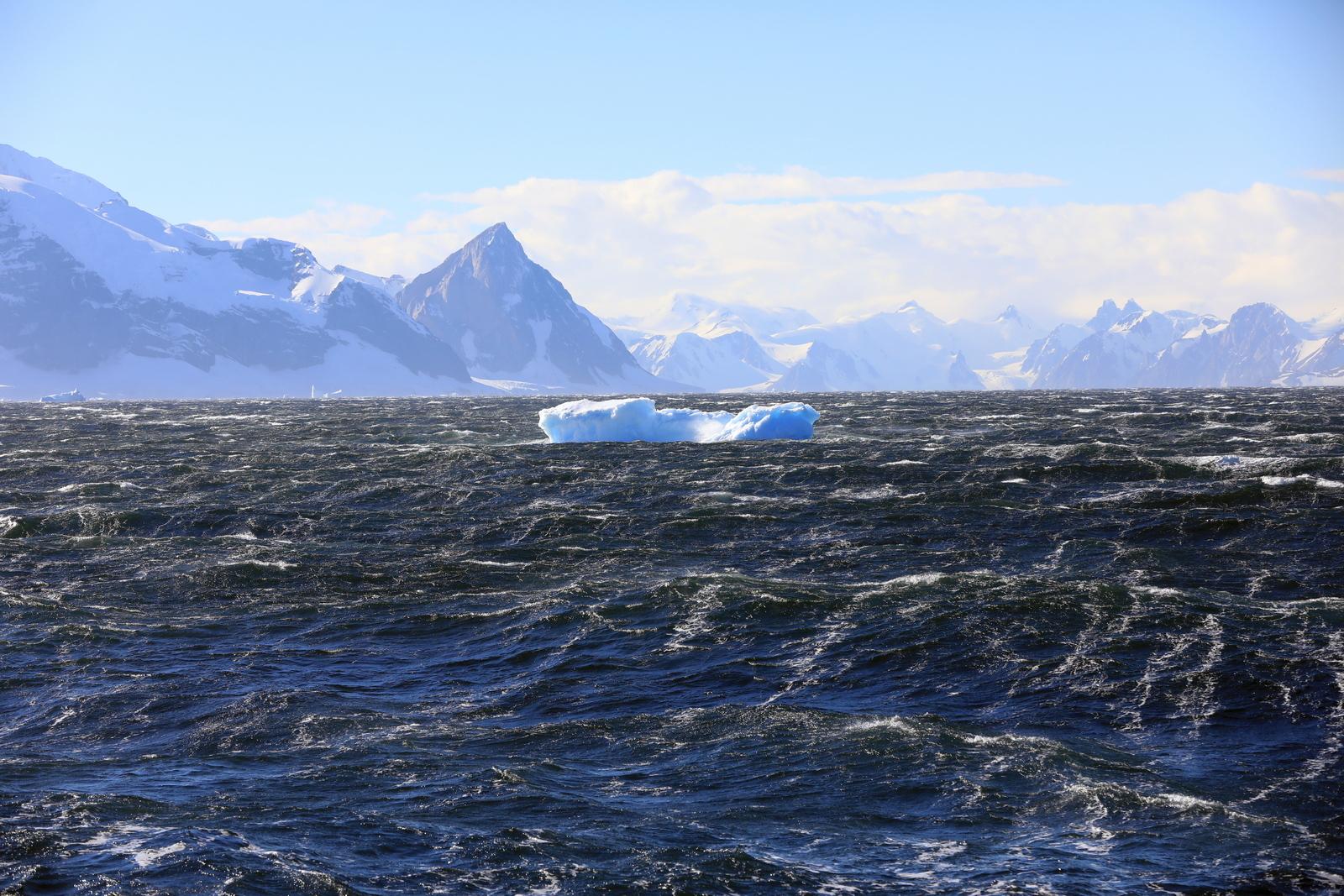 1702_Antarctique_02061_c_sm.jpg