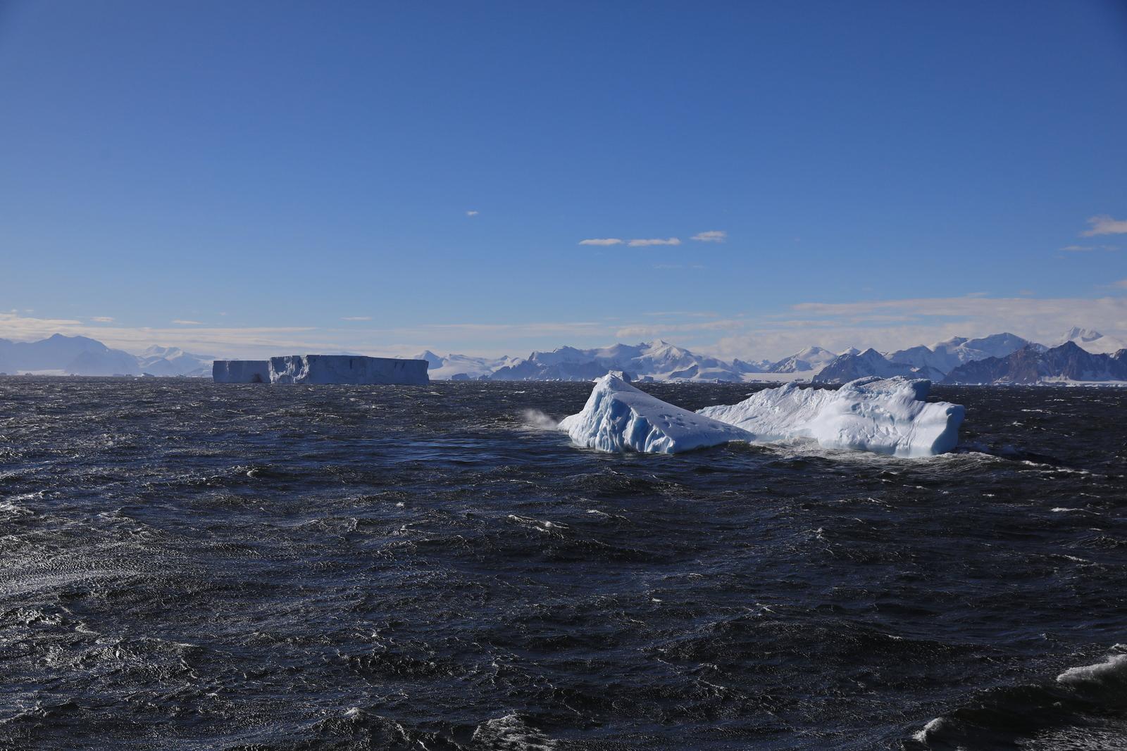 1702_Antarctique_02153_c_sm.jpg